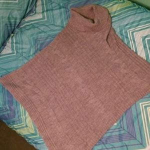 Cableknit poncho